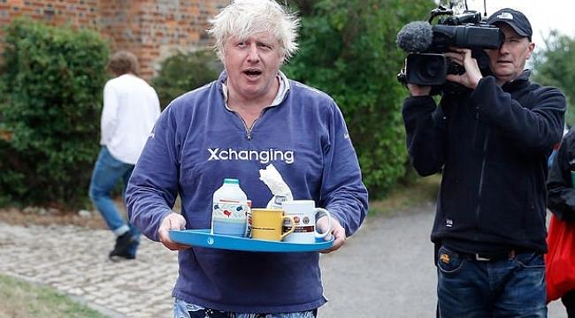 Peçeli kadınları 'posta kutusuna' benzeten Johnson, soruları yanıtlamadı!