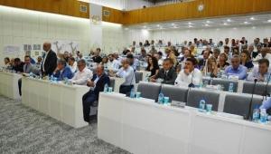 Belediye meclis toplantısında 'İzmir kokuyor' tartışması
