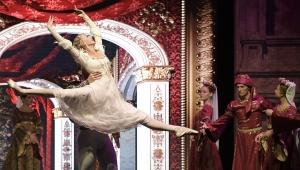 'Romeo ve Juliette' Açıkhava'da sahnelendi
