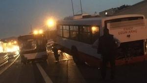Balçova'da kaza... Belediye otobüsü ikiye ayrıldı!
