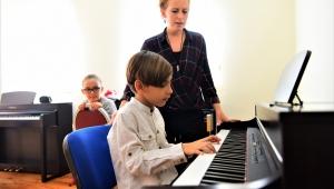 Bornova Belediyesi'nin piyano kurslarına yoğun ilgi