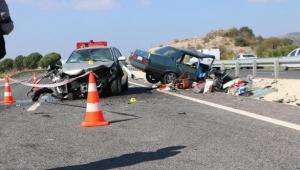 İki otomobil çarpıştı: 2 ölü, 2 yaralı