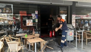 İzmir'de ünlü fast food restoranında yangın!