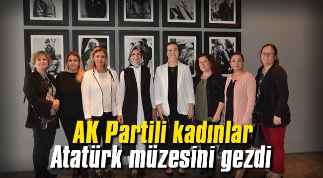 AK Partili kadınlar, Atatürk sergisini gezdi