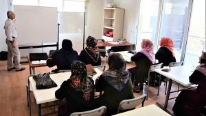 Bornova'da okuma yazma bilmeyen kalmayacak