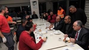 Başkan Arslan'ın şantiye işçileriyle kahvaltı yaptı