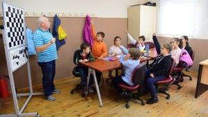 Bornova'da satranç kurslarına yoğun ilgi