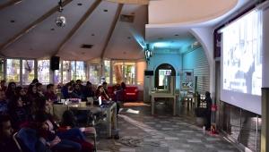 Bornova Gençlik Merkezi'nde sinema keyfi