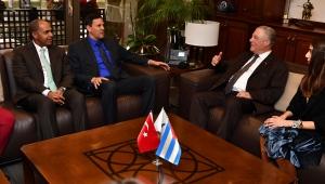 Küba Büyükelçisi İzmir'e