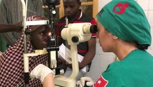 Türk Kızılayı Sudan'da katarakt operasyonunu sürdürüyor