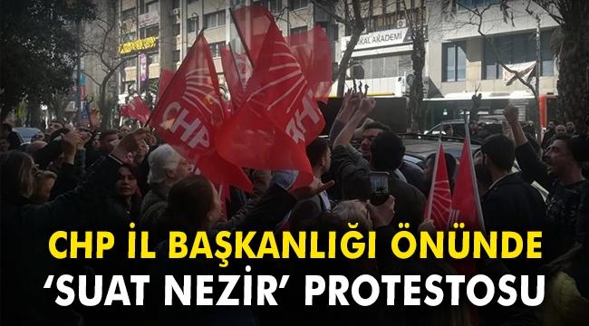 CHP İzmir İl Başkanlığı önünde Suat Nezir protestosu
