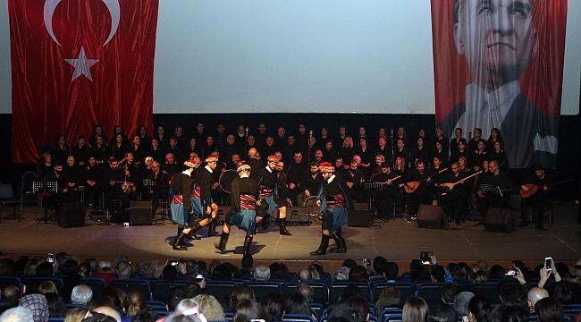 Bayraklı'da Türk Halk Müziği konseri