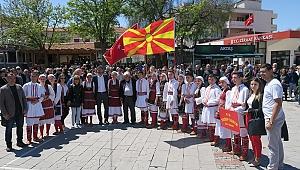 Foça Demokrasi Meydanı'nda 23 Nisan sevinci