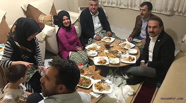 Ak Partili Kırkpınar'dan çat kapı iftar ziyareti