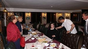 Başkan Ömer Günel Şehit Annelerinin Anneler Gününü Kutladı