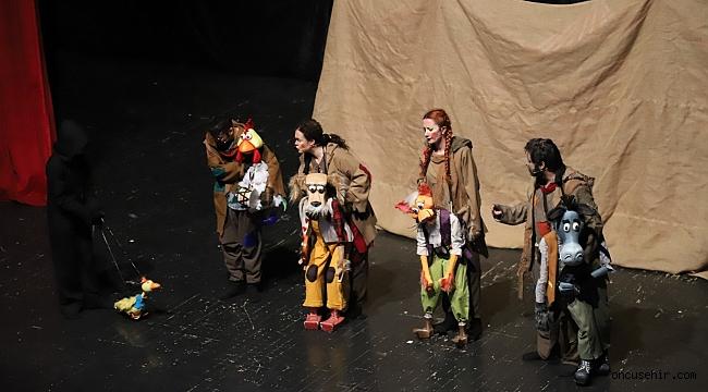 Bornova Belediyesi Şehir Tiyatrosu bir sezonda üç turne gerçekleştirdi