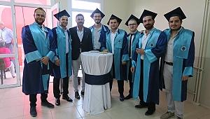 Foça Turizm Fakültesinde mezuniyet sevinci