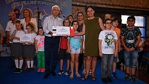 İzmir'de çevre kahramanları ödüllerini aldı