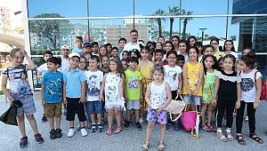 Bayraklılı çocuklar Deniz Müzesini gezdi