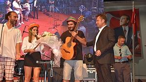 Başkan Serdar Aksoy'dan çocuklara özel gün