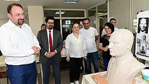 Çiğli, Atatürk Büstü ile donatılıyor