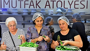 Bornovalı kadınlar kışa hazırlanıyor