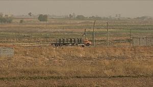 YPG/PKK'lılar tünel ve hendek kazmaya devam ediyor