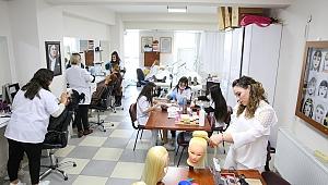 Bucalı kadınlar kurslarda gençleşiyor