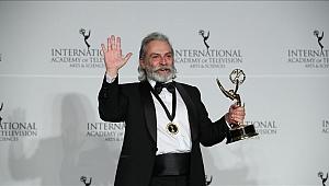 Haluk Bilginer'e Uluslararası Emmy Ödülü!