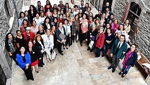 İzmirli kadınlar güçlerini birleştiriyor