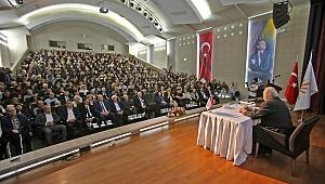 Karabağlar'da Prof. Dr. İlber Ortaylı izdihamı