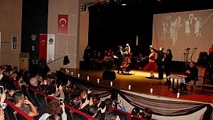 Ödemiş'te Atatürk Oratoryosu ayakta alkışlandı