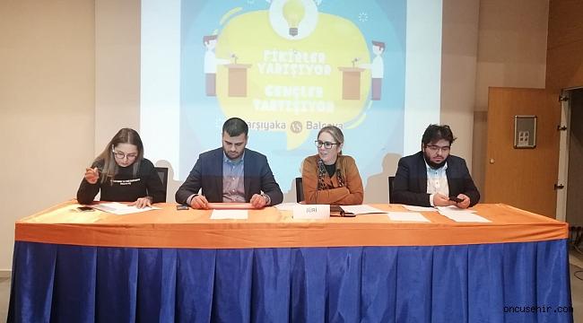 """Turnuva, """"Fikirler yarışıyor, AK Gençler tartışıyor"""" sloganıyla başladı"""