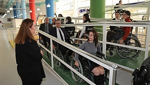 Başkan Arda ve ekibi, engelli bireylerin yaşadıkları zorlukları deneyimledi