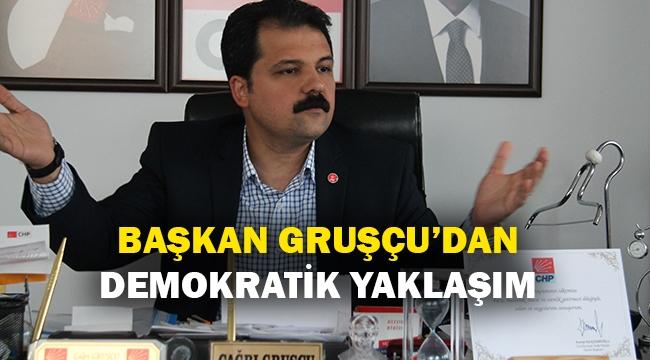 Başkan Gruşçu'dan demokratik yaklaşım