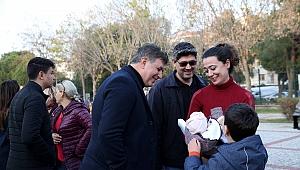 """Bostanlı'da """"Yeni Yıl Pazarı"""" açıldı"""