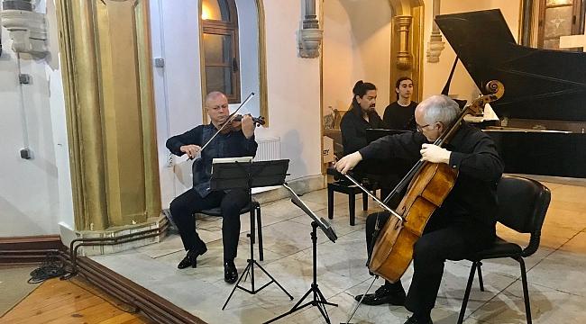 Buca'da büyüleyen konser