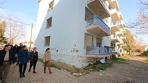Efes Selçuk Belediyesi lojmanlarının yıkımına başlandı