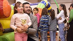 Foça'da çocuklar için yeni yıl eğlenceleri