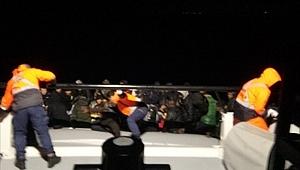 İzmir'de 55 düzensiz göçmen yakalandı!