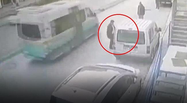 İzmir'de araçtan çanta hırsızlığı güvenlik kamerasına yansıdı