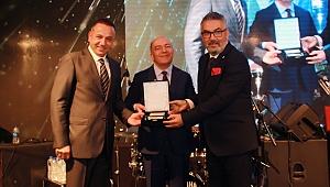 İzmir Özel Can Hastanesi en iyi sağlık yatırımı ödülünü aldı