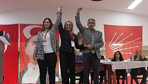 Pınar Susmuş mazbatasını alıyor