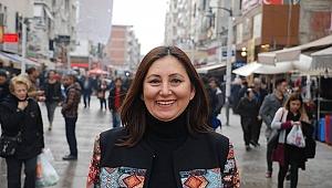 """Songül Gök açıkladı: """"Bayraklı İlçe Başkanlığı için adayım"""""""