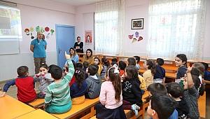 Bayraklı'da çocuklara hayvan sevgisi semineri