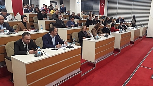 Bayraklı Meclisinde protokol camisi tartışması