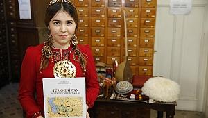 Berdimuhammedov 'un kitapları Konak'ta tanıtıldı