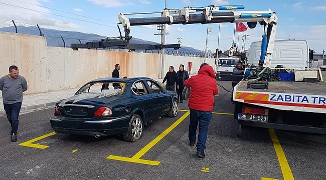 Büyükşehir hurda araçlar için otopark kurdu
