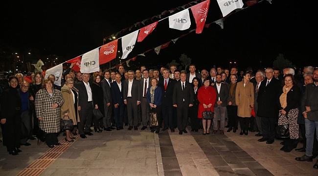 CHP Genel Başkan Yardımcıları İzmir'den seslendi