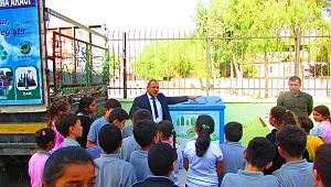 """Çiğli Belediyesi'nden okullara """"Çevre Dostu"""" hediye"""